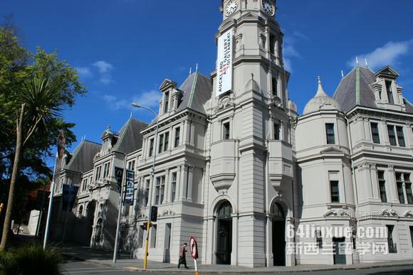 新西兰本科一年费用多少