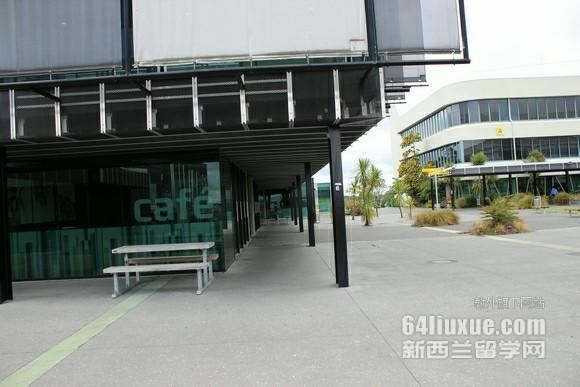 新西兰留学语言好过吗