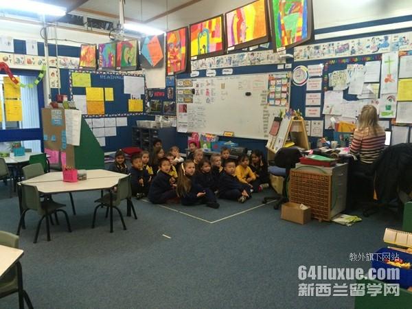 新西兰小学一年费用是多少