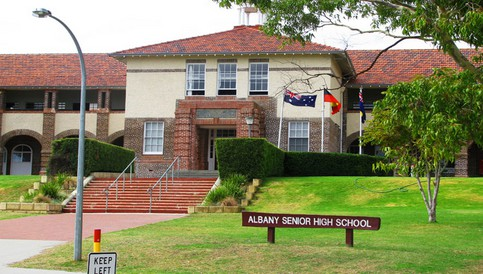 新西兰中小学学制