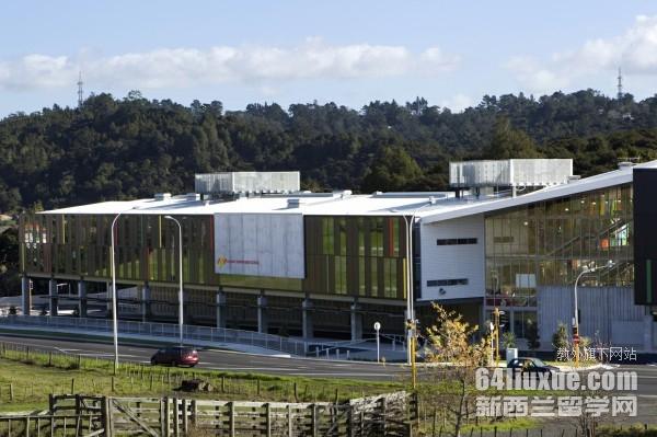 新西兰里卡顿中学