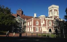 新西兰大学商科